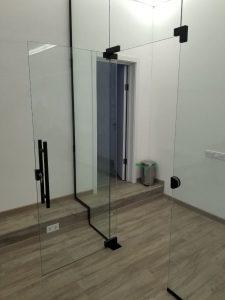 Прозрачное стекло для двери для бани, компания KUB